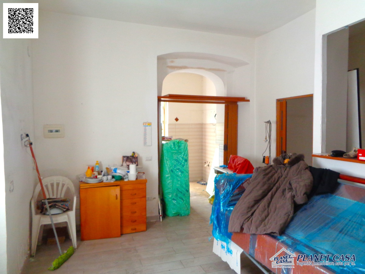 Sale Premises Napoli Local Commercial Of 36 Sqm Street Facing Locality