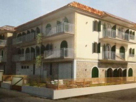 New building villas 280 sqm, four levels, with roof terrace, garden, elevator, and car garage