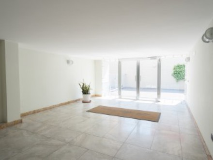 Apartment for sale in Volla center, 4 rooms with level terrace, stately park, car garage