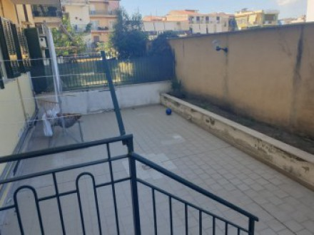 Pretty two-room apartment for sale in the historic center of Acerra, with level terrace and parking space