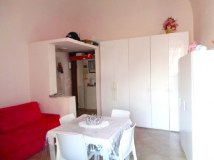 33 sqm studio, excellent state, bright, with kitchen and bathroom