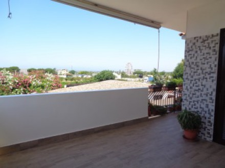 Villa for sale consisting of three apartments with large garden
