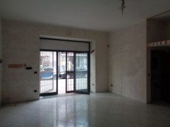 Commercial premises for rent, about 45 square meters, good condition, Volla center, street front - 2