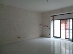 Commercial premises for rent, about 45 square meters, good condition, Volla center, street front - 4