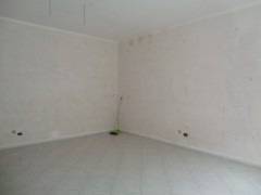 Commercial premises for rent, about 45 square meters, good condition, Volla center, street front - 7