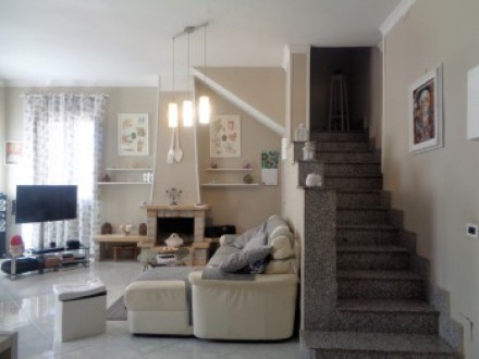 Apartment on two levels, 110sqm, excellent condition, four bedrooms, two bathrooms