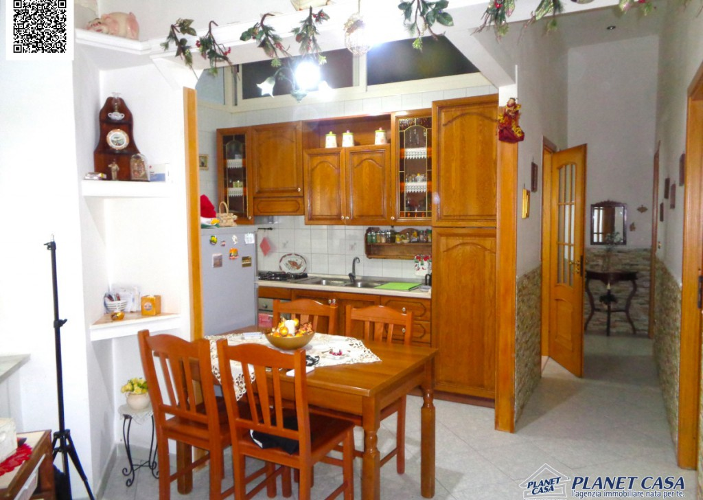 Sale Apartments Napoli - Apartment, near the Directional Center, 3 rooms, excellent state, 85 sqm Locality