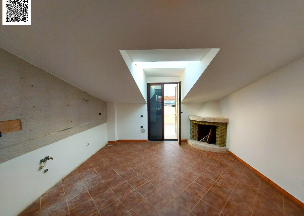 Sale Apartments Volla - Attic apartment of 110sqm, with level terrace, cellar, parking space, in Volla center Locality